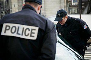 2010_03_01_police_identite_controle_papiers_inside.jpg