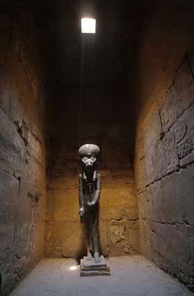 07_EGYPT--Karnak-Temple--Sekhmet.jpg