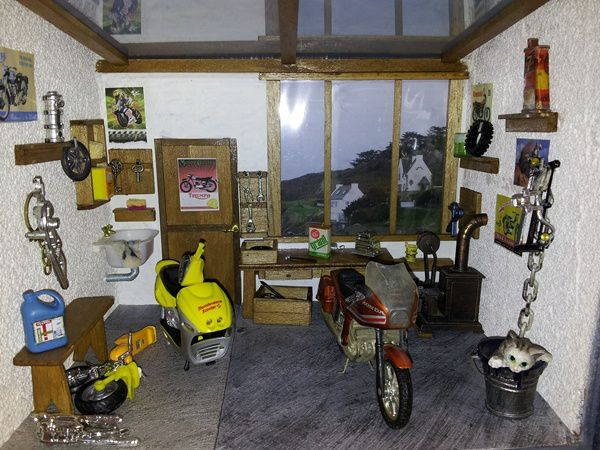 Miniature garage