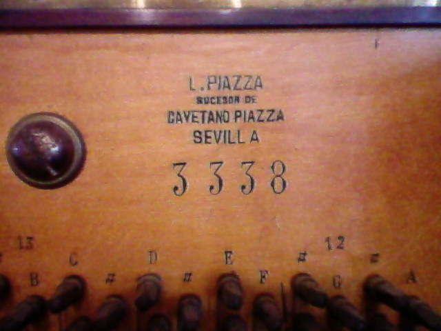 Pianos Teclados y Organos ,reparados afinados .  Ricardo E D'angelo