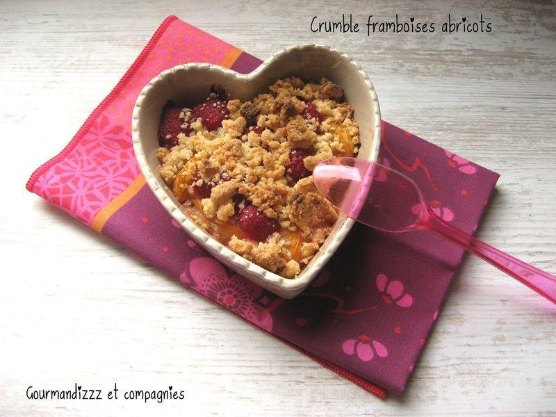 crumble-framboises-abricots-1.jpg