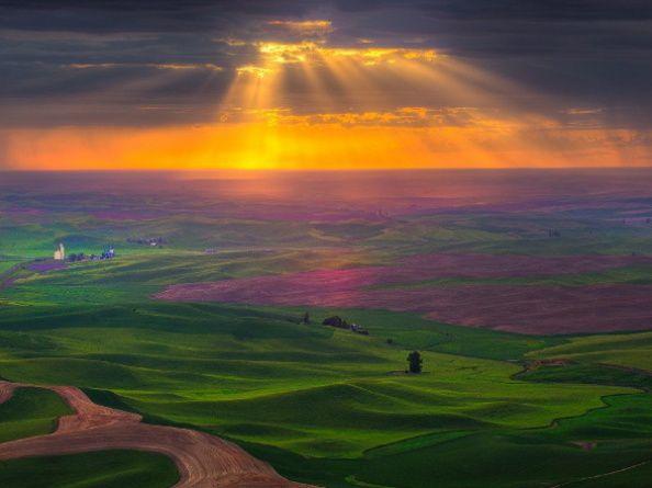 sunrise-glory-rays