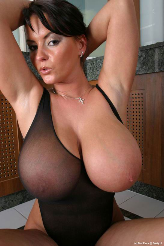 Gros seins 04 - Sexuels Pictures