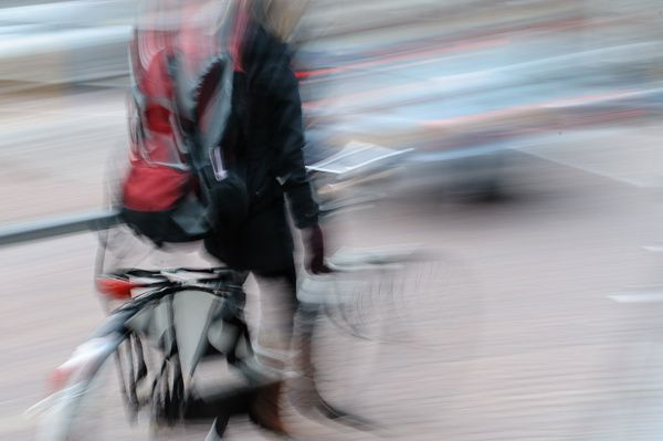 Woman_on_motion_with_bicycle_Frederic_Augendre-4220.jpg