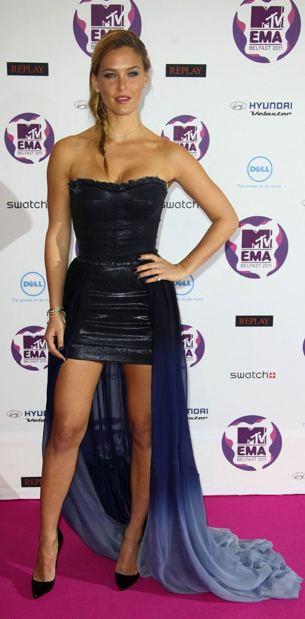 bar-refaeli-addons-2011-mtv-ema-110603-copia-1.jpg