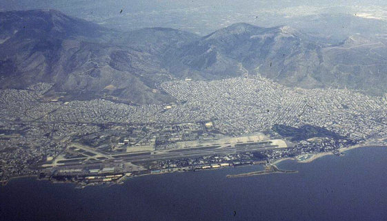 Hellinikon_Airport_aerial_view_1998-3-9.png