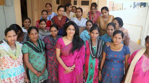 Dr_Nayna_Patel_et_les_m_res_po.jpg