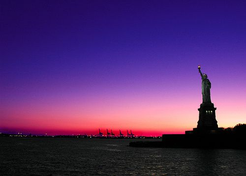 statue-of-liberty-facts-which-hand-does-the-statue-of-liber
