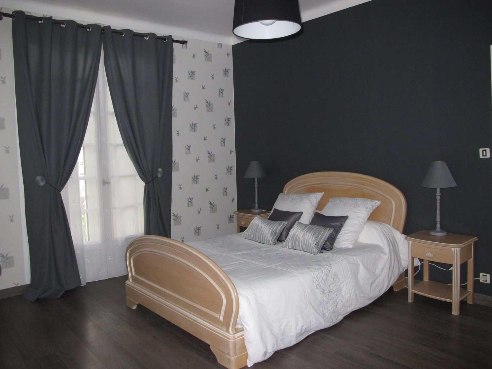 relooking chambre avant apres ch avt ch apr avant aprs chambre duamis holmaert panneau mur. Black Bedroom Furniture Sets. Home Design Ideas