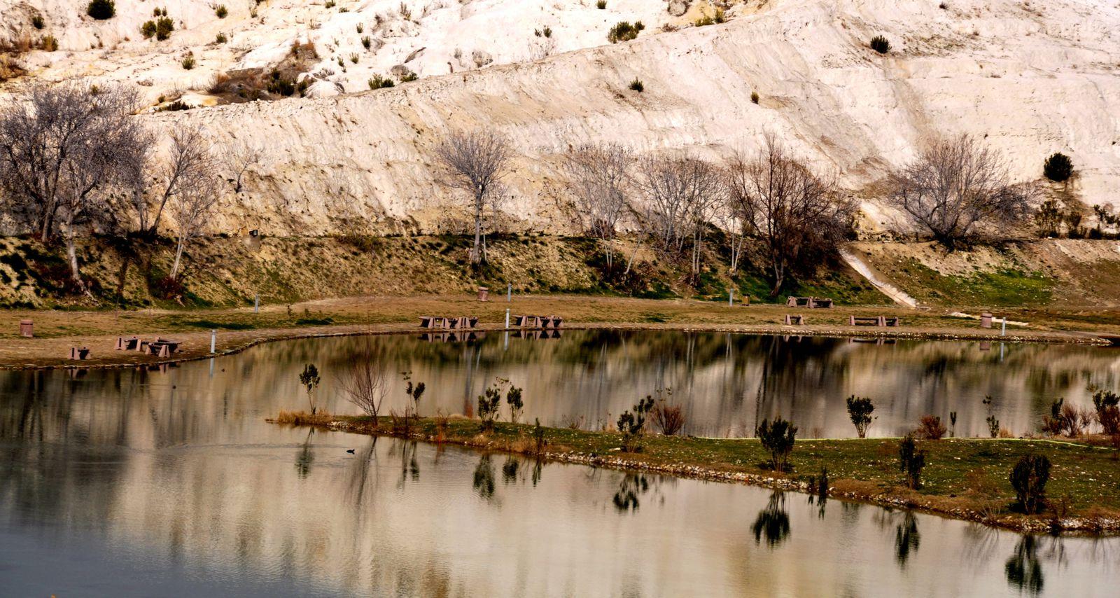 Lieu mythique situé sur le plateau d'Heliopolis dans le sud est de la Turquie en pleine montagne.