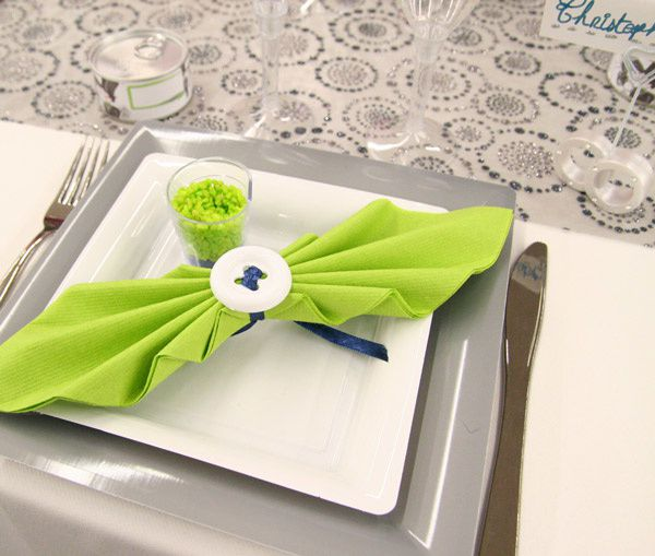 Decoration de table mariage le blog de decoration magasin d 39 accessoires et de for Pliage serviette noeud papillon