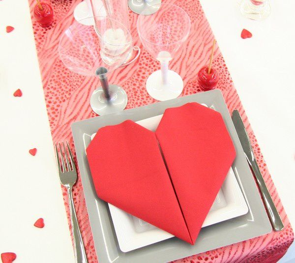 Decoration de table mariage decoration mariage astuces for Decoration st valentin