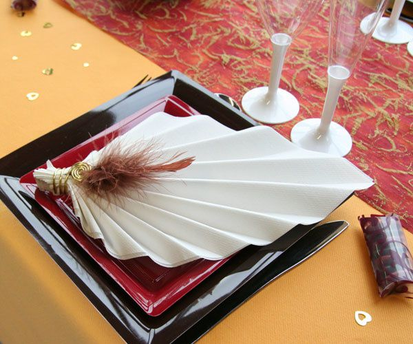 Decoration de table mariage decoration mariage astuces for Pliage serviette de table papier