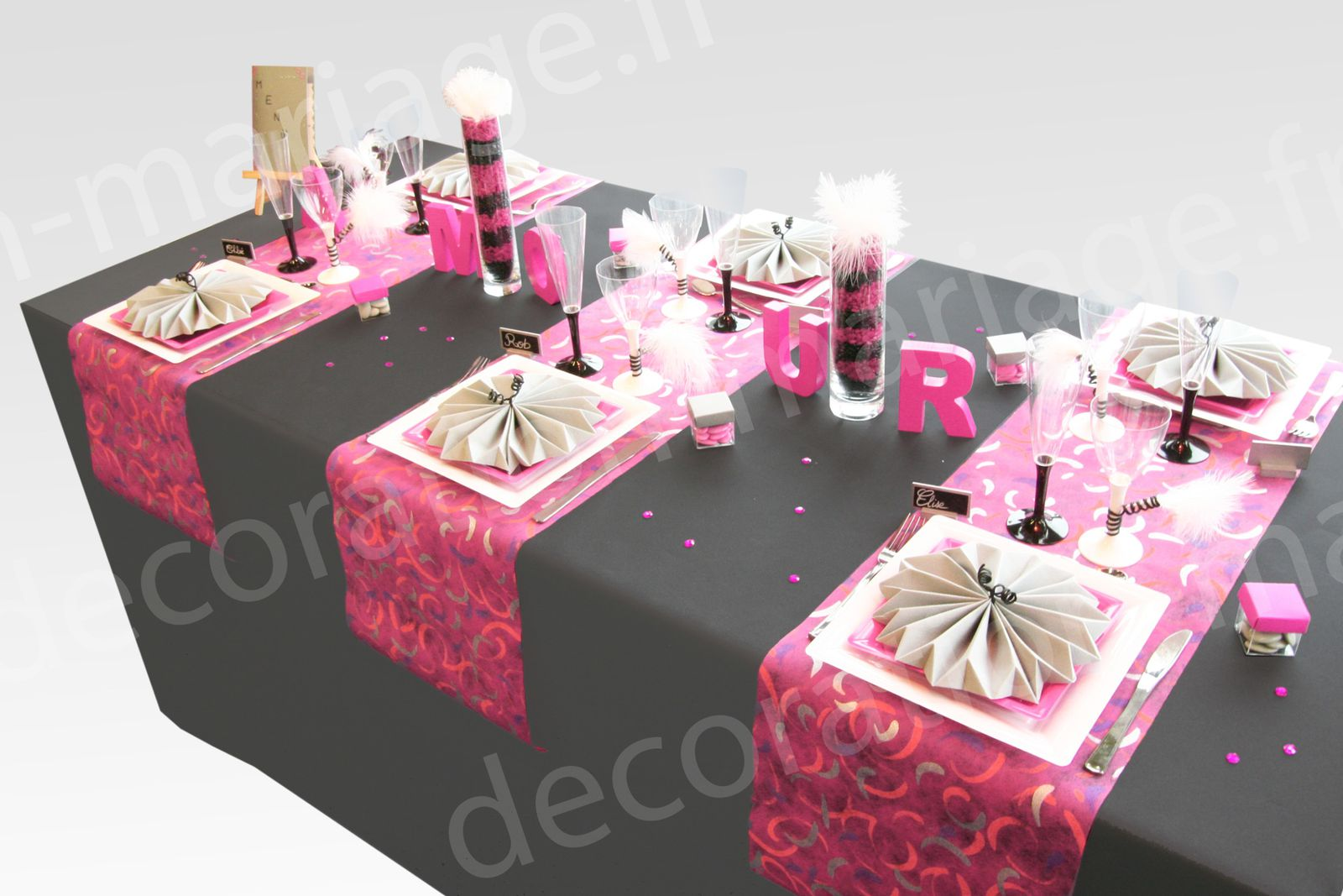 decoration de table mariage decoration mariage astuces conseils et bonne id es. Black Bedroom Furniture Sets. Home Design Ideas
