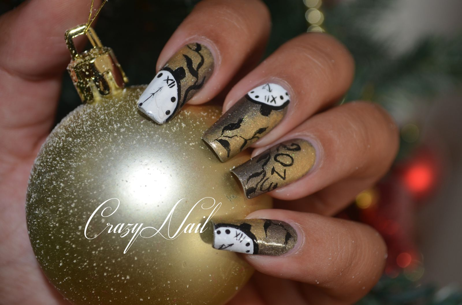 Nail art jour de l 39 an 2013 le blog de crazynail - Nail art nouvel an ...