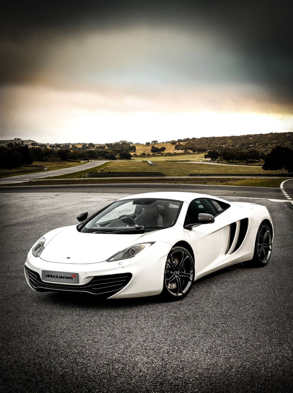 http://idata.over-blog.com/4/30/91/45/mclaren_12c_2013my002.jpg