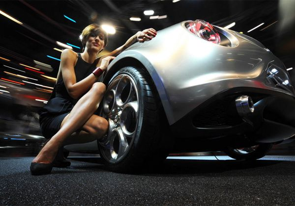 Les h tesses du mondial de l automobile de paris 2012 partie 1 off road generation - Mondial de l auto paris 2017 ...