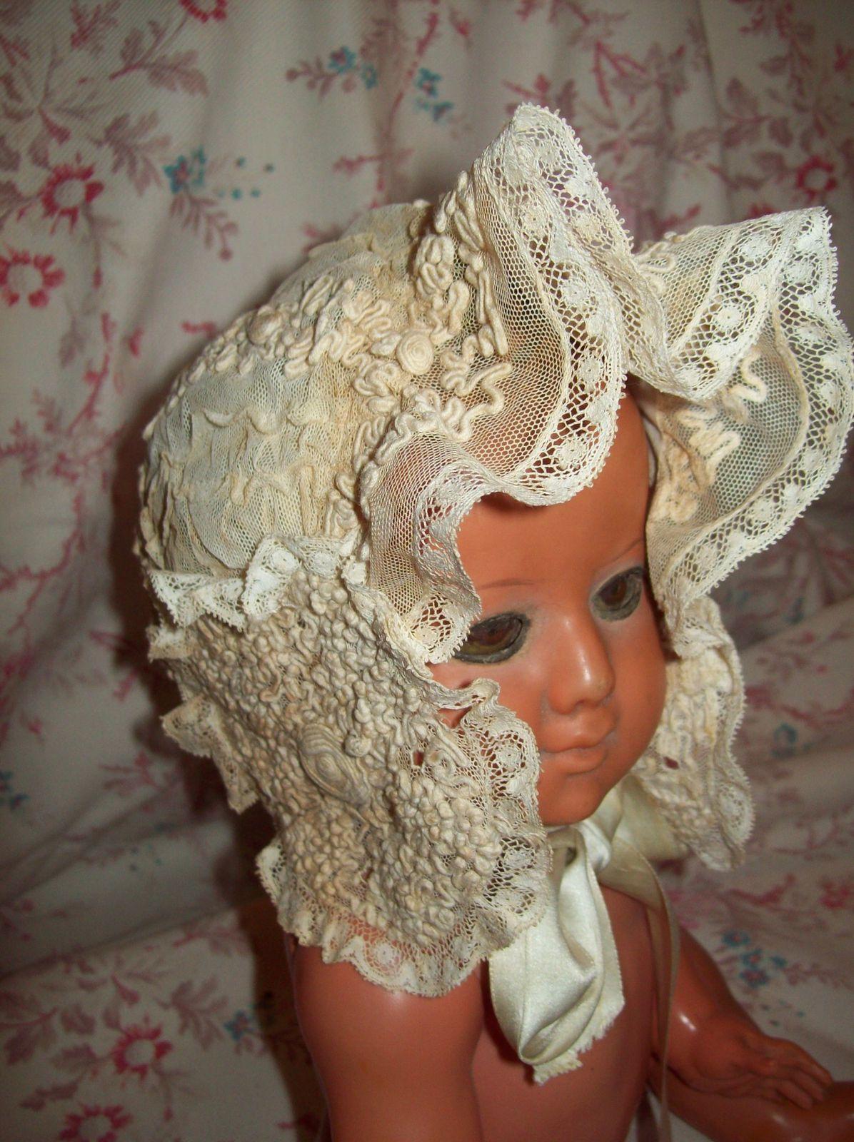 album bonnets de bebe le blog de tissus anciens. Black Bedroom Furniture Sets. Home Design Ideas