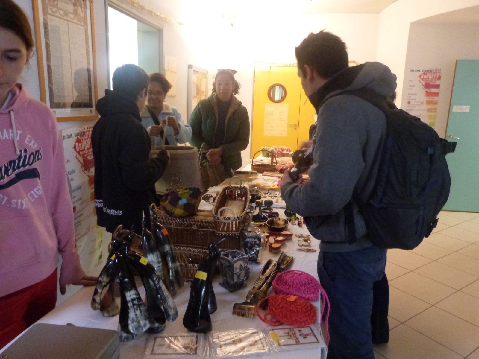 marché de bienfaisance en faveur de gamiso 2014, Abas, Jaweed