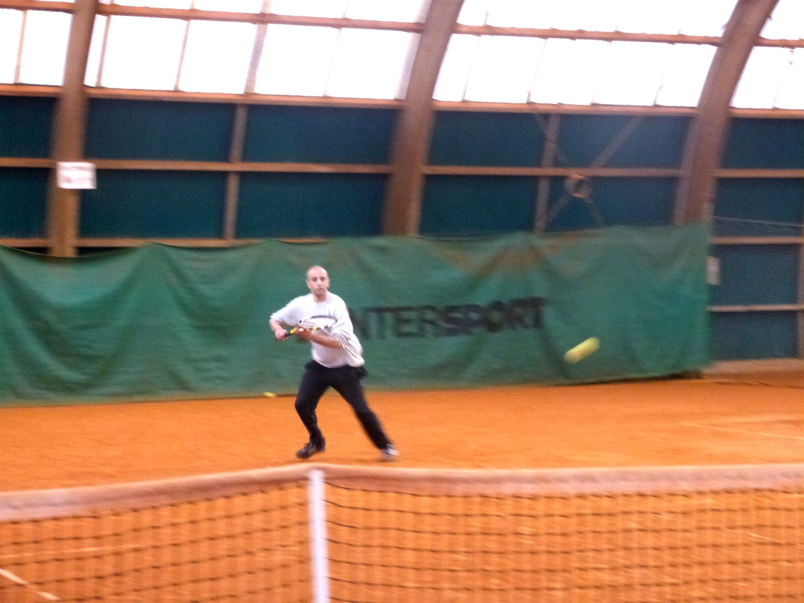 initiation tennis, février 2015 : Aleksänder, John, Redi, Farid