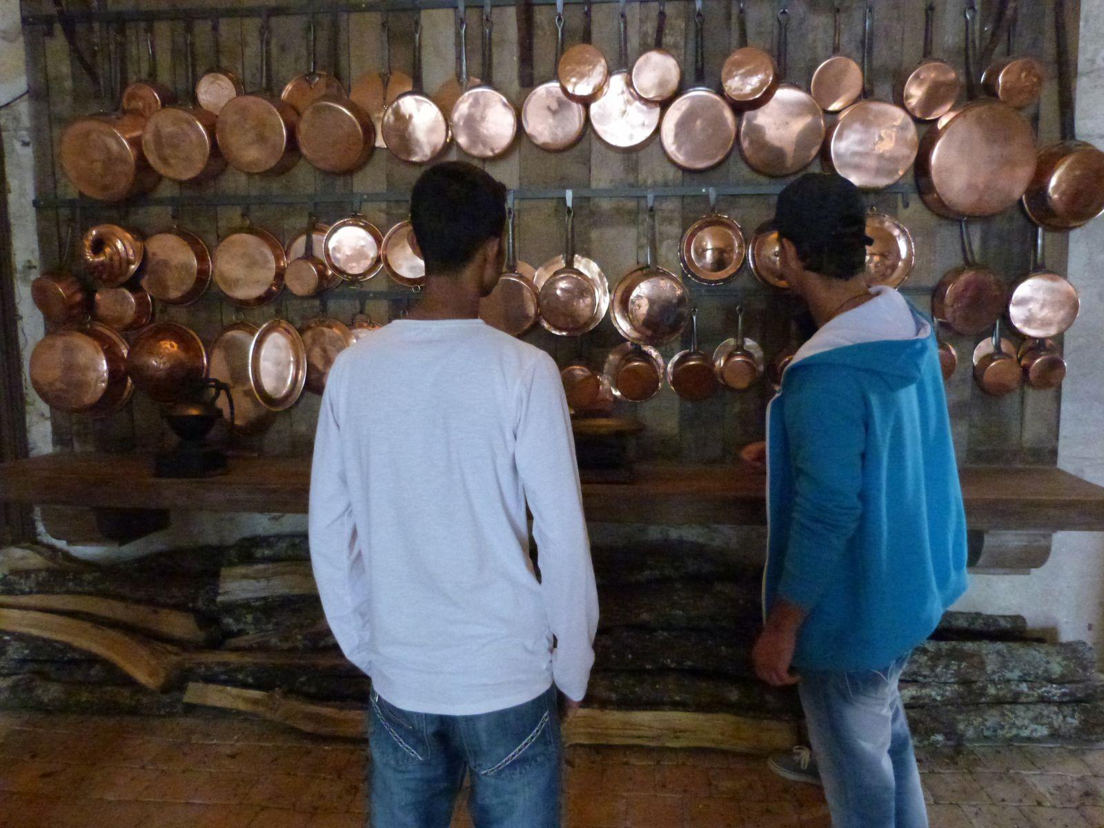 Nos visites au château de Bridoire : Ahad, Adnan, Erzozig, Kamal, Mohamed, Saiful (+ Julian) Alan, Erzorig, Kévin
