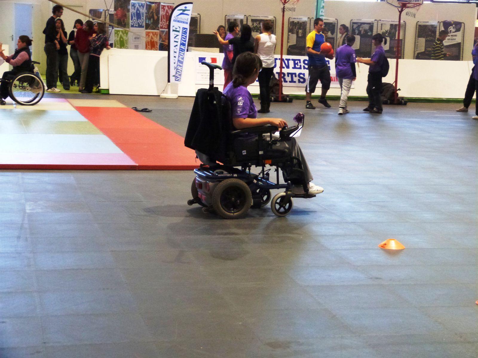 Le 07/11/12, journée du handicap dans le cdre de Conforexpo à Bordeaux. Au programme : initiations sportives et pratiques handi-valide