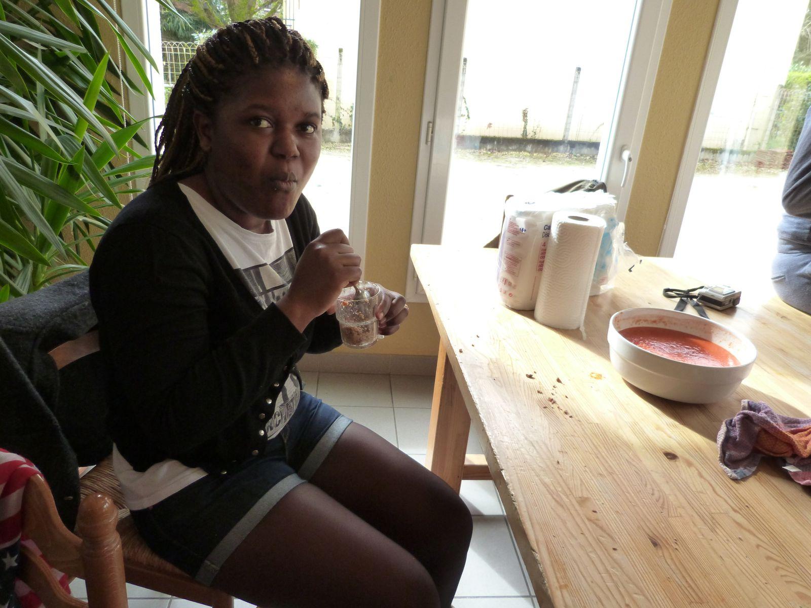 Février 2014. 2ème repas mahoré de l'histoire de la SAVA : au menu samboussa et boeuf bananes coco