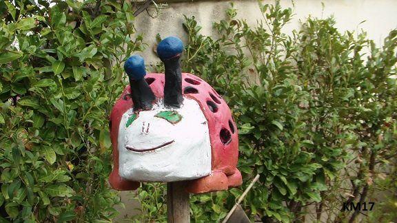sculpture-enfant-coccinelle.jpg