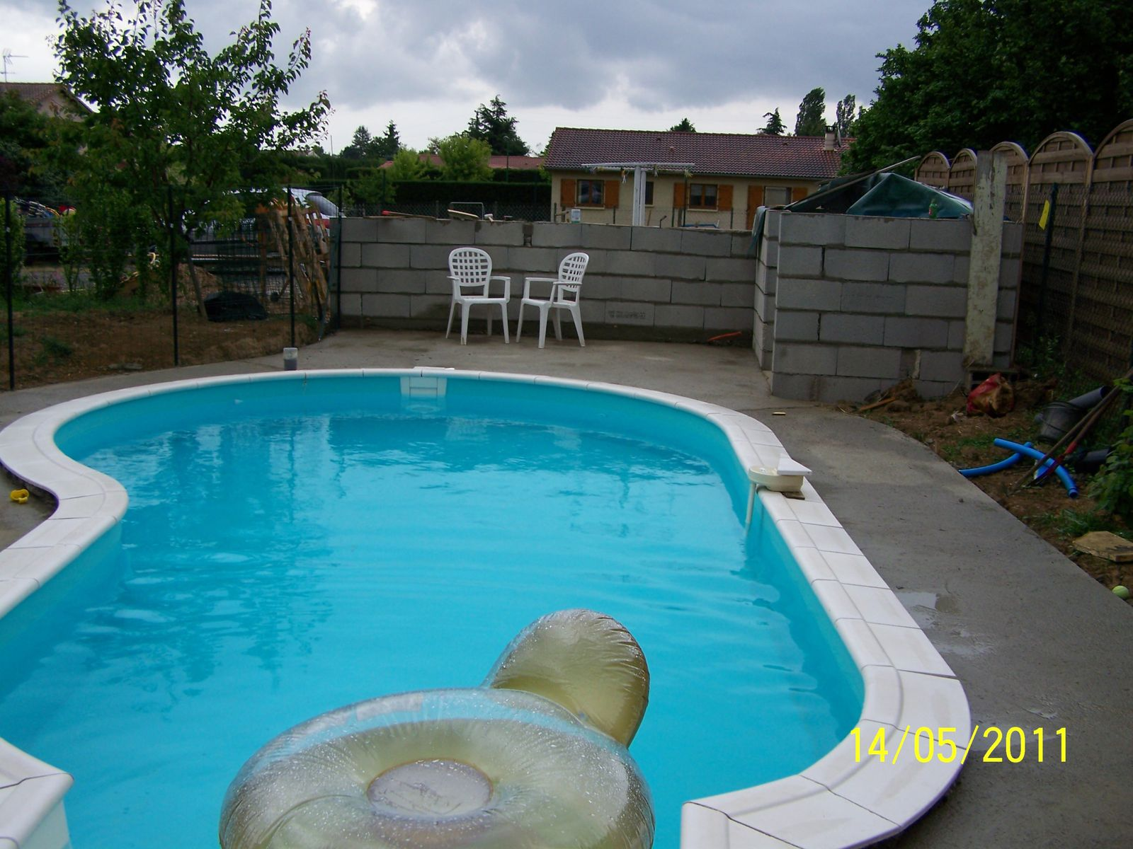 Suite de l abri cotier montage piscine waterair for Abri piscine waterair
