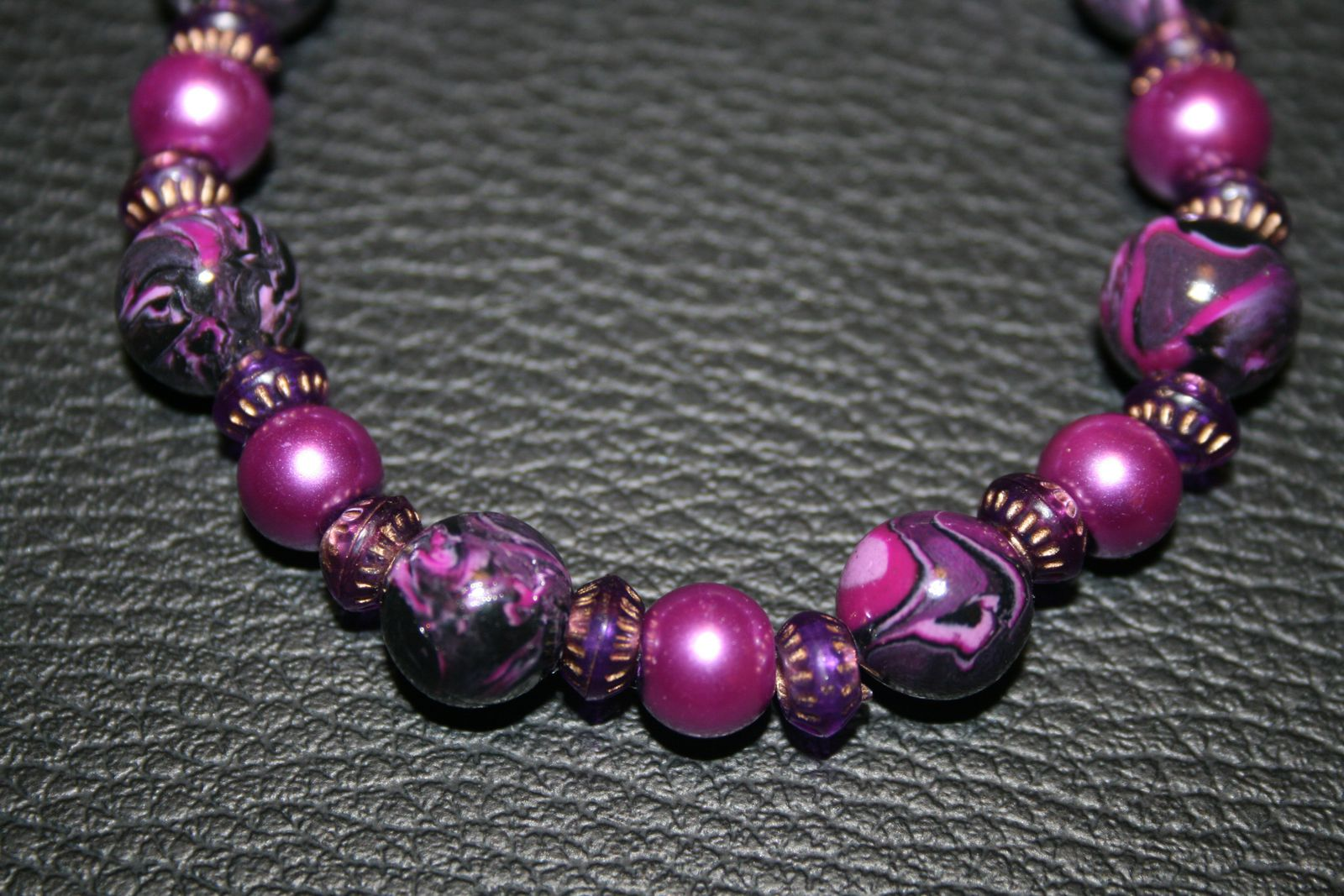bracelet violet avec des perles en fimo le blog d 39 angycreations. Black Bedroom Furniture Sets. Home Design Ideas