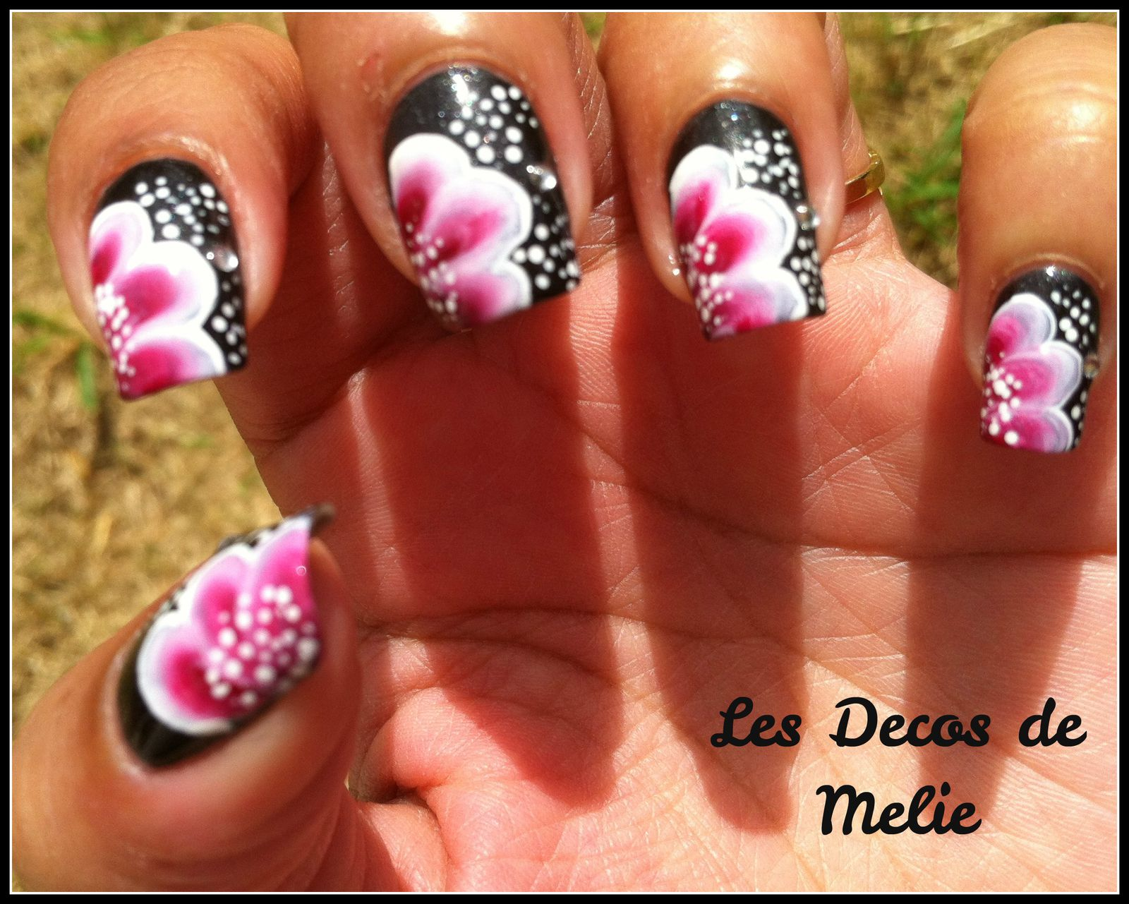 Nail art rose et noir : Comment on this picture nail art one stroke demi rose apps directories