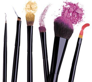 5-Free-Beauty-Tips-Make-Up-Brushes-And-Pencils