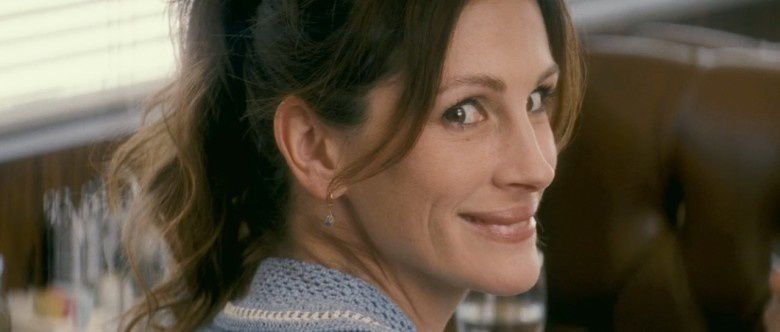 julia-roberts-as-mercedes-tainot-in-larry.jpg