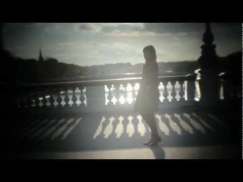 Lou-Doillon-ICU-clip-officiel.jpg