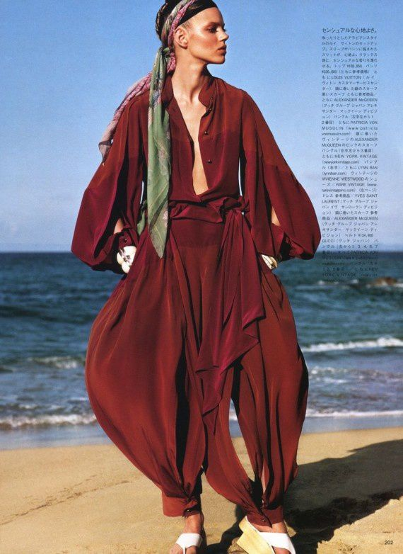 Freja-Beha-Erichsen-Vogue-Japan-July-2011-7