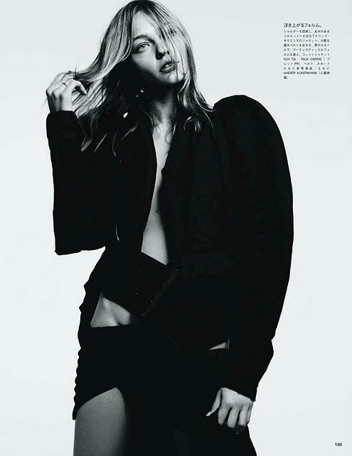 Sasha Pivovarova Vogue Japan aout 2011 by Hedi Slimane 4