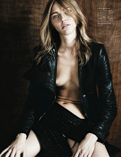 Sasha Pivovarova Vogue Japan aout 2011 by Hedi Slimane 5