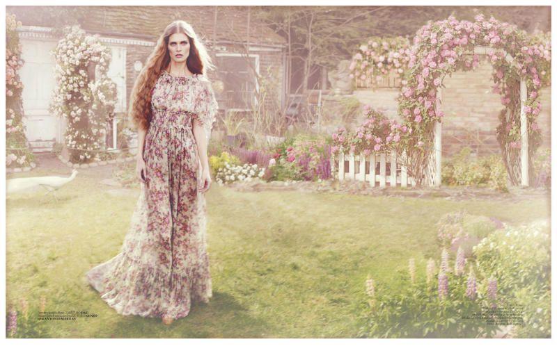 Malgosia-Bela-for-Vogue-Turkey-April-2011-by-Cuney-copie-9.jpg