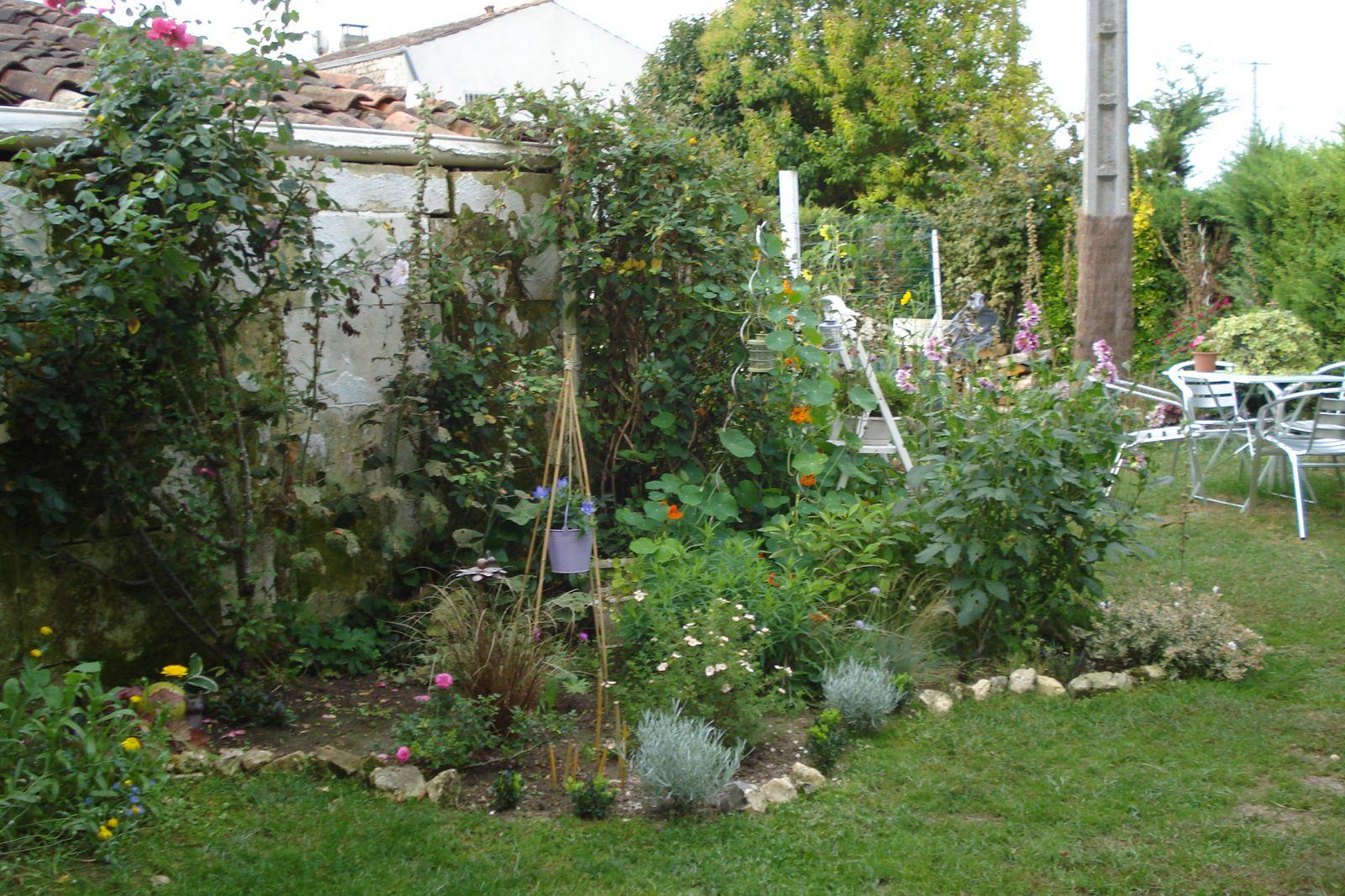 Petit tour matinal du jardin cagouille 39 s garden - Petit jardin culinary arts tours ...
