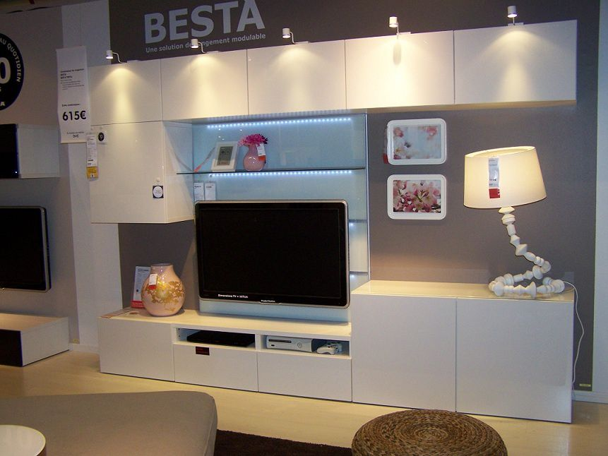 album 2 ikea r alisations en magasins autour de la t l gamme besta billy kallax expedit. Black Bedroom Furniture Sets. Home Design Ideas