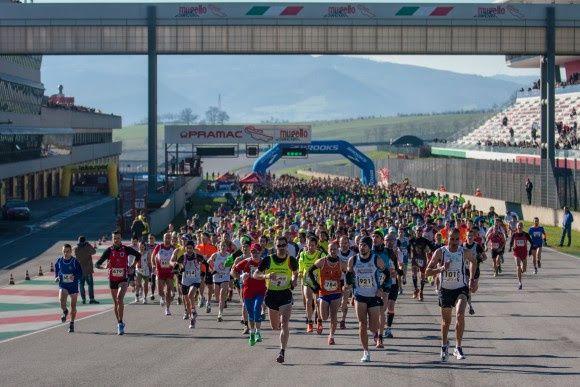 Mugello GP Run (2^ ed.). Una seconda edizione, la carica dei 2500, baciati dal sole di gennaio nel verde autodromo del Mugello. Vincono Giovanna Pizzato e Maurizio Cito