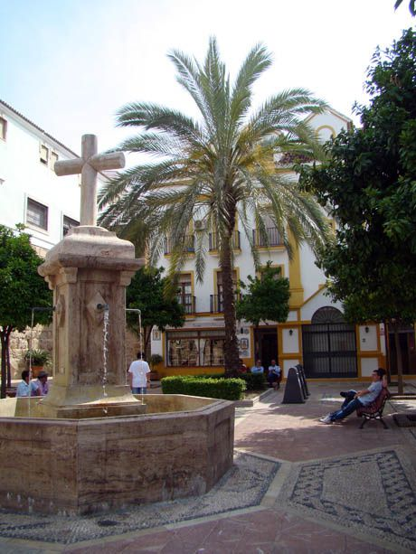X---03-Marbella--placette fontaine-.jpg