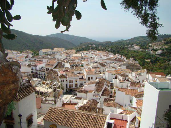 vue en hauteur aérienne ojen andalousie
