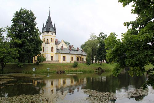 Photo-chateau-frontiere-ukraine-pologne-europe.jpg