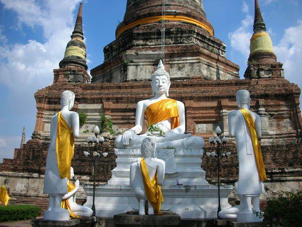 Ayutthaya---Wat-Yai-Chai-Mongkhom-qui-penche--19-.jpg