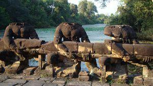 Photo-de-angkor-thom-ou-wat-ou-angkorwat--ancienne-copie-4.jpg