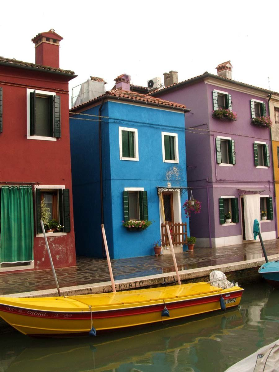 Burano venise des couleurs clatantes m me sous la pluie mes meilleurs souvenirs de - La maison des couleurs ...
