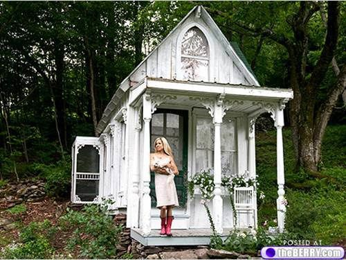 tiny-house-in-natures-paul-keirn--3-.jpg