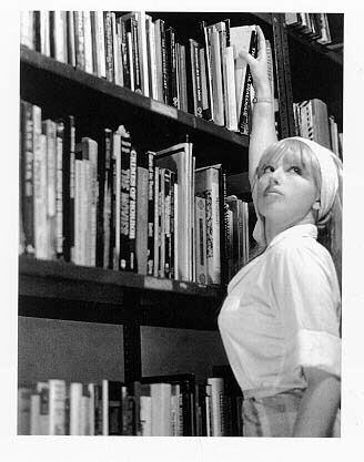 Cindy Sherman    Feminist Cindy Sherman Centrefolds