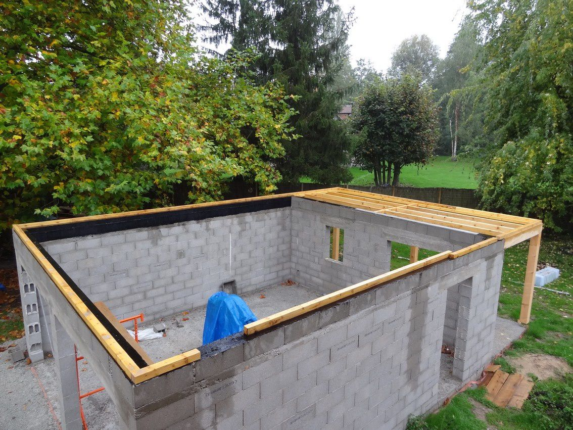 Octobre 2012 le toit du garage le blog de maisonboisbbc for Construction garage parpaing plan